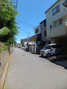 上池田貸家 前面道路2.JPG
